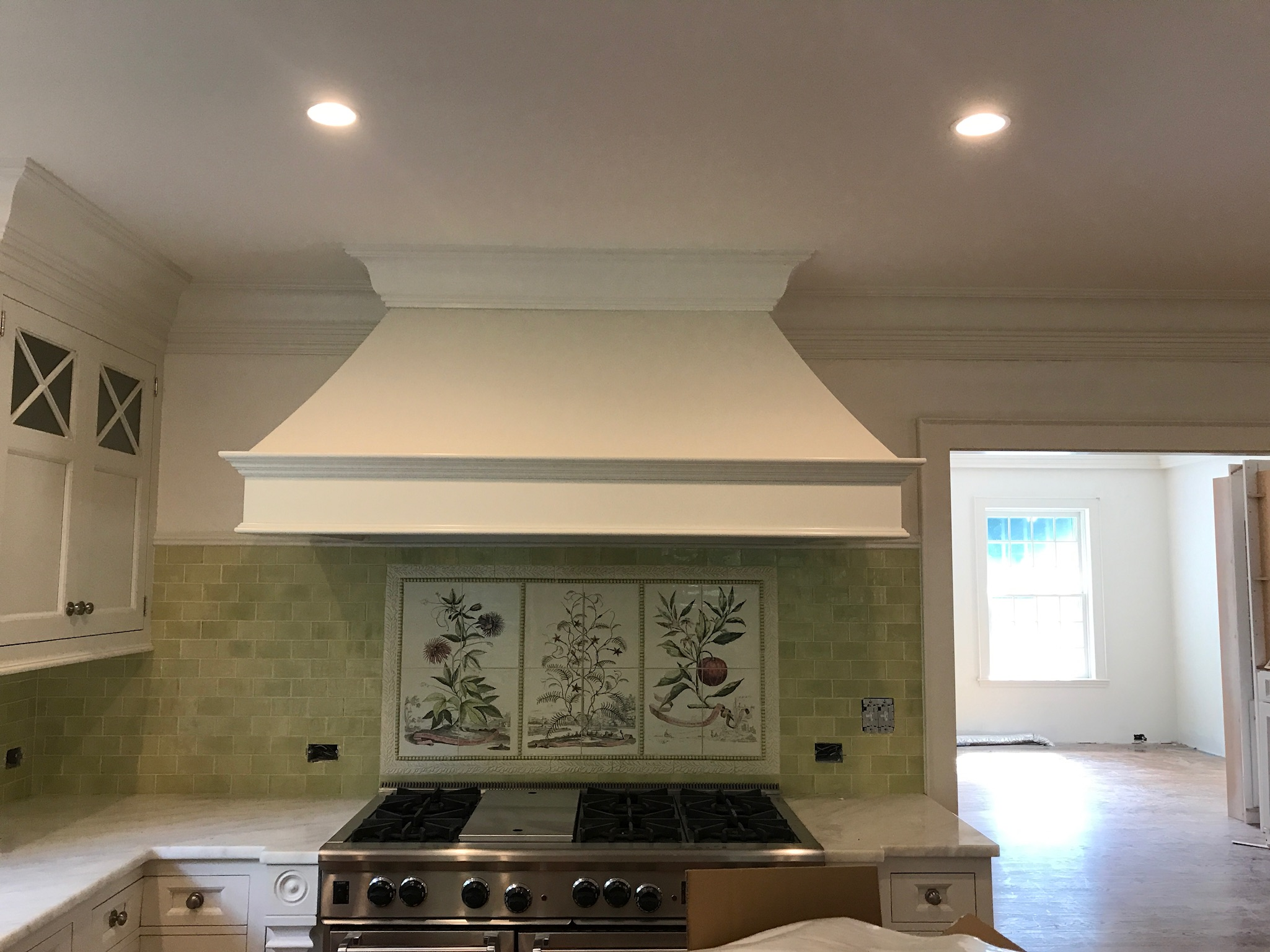 kitchen-hood-before-by-liz-caan-interior-design-COUNTRY-Renovation-and-decoration-for-a-young-family