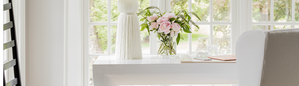 white-office-pink-flowers