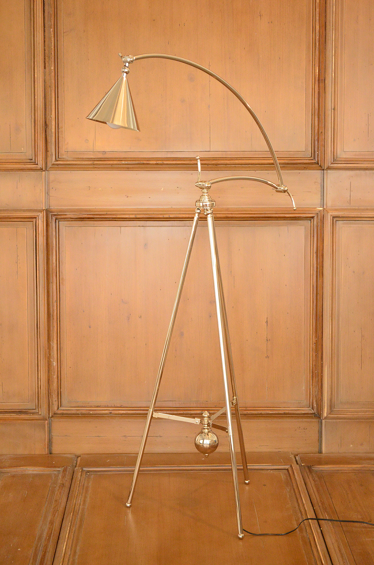 Cote France Image 19_Girafe Floor Lamp