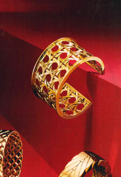 Verdura-Jewelry-Criss-Cross-Cuff-Instyle-October-2017