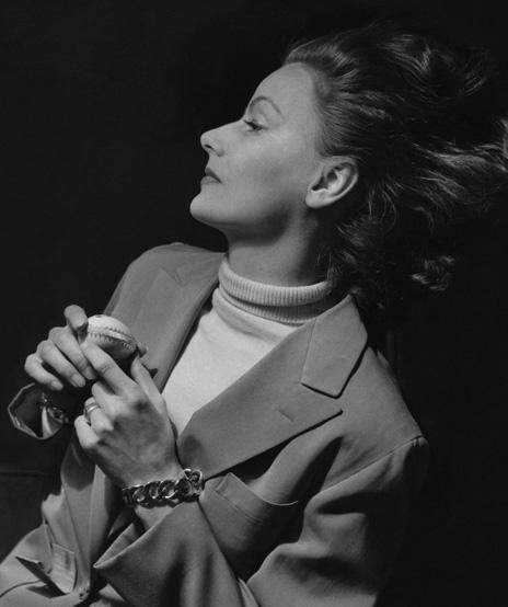 Verdura-Jewelry-Curb-Link-Bracelet-Greta-Garbo-Cecil-Beaton-1948