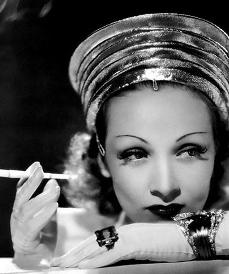 Verdura-Jewelry-Lily-Bracelet-Marlene-Dietrich-1939-Publicity-Still