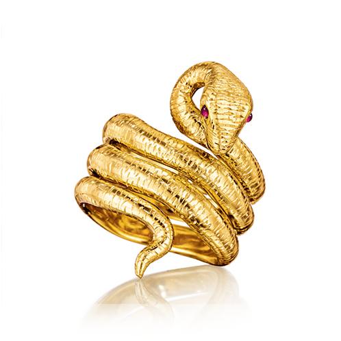Verdura-Jewelry-Medusa-Ring-Gold-Ruby