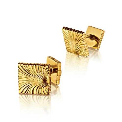 Verdura-Jewelry-Square-Shell-Cufflinks-Gold