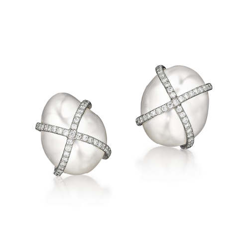 Verdura-Jewelry-Wrapped-Earclips-Pearl-Diamond