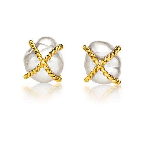 Verdura-Jewelry-Wrapped-Earclips-Pearl-Gold