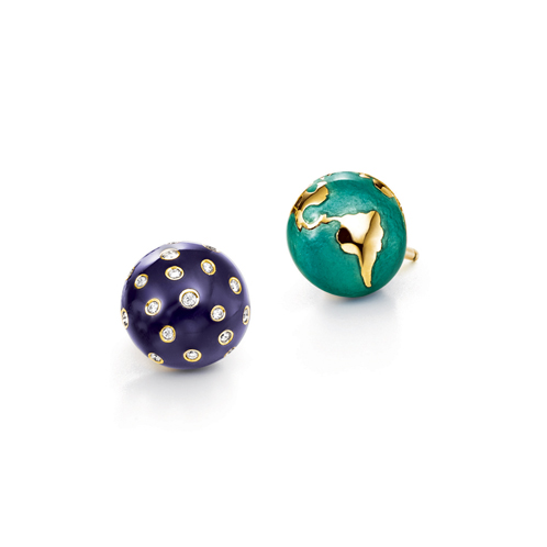 Verdura-Jewelry-Night-and-Day-Earstuds-Gold-Diamond-Enamel