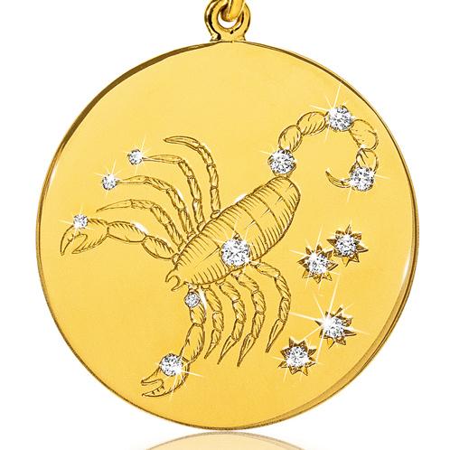 Verdura-Jewelry-Zodiac-Pendant-Necklace-Scorpio-Gold-Diamond-detail