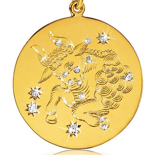 Verdura-Jewelry-Zodiac-Pendant-Necklace-Taurus-Gold-Diamond-detail