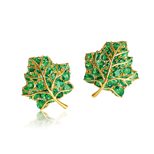Verdura-Jewelry-Leaf-Earclips-Gold-Tsavorite-Garnet